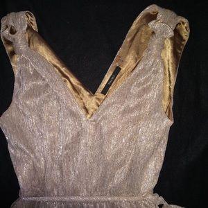Tahari dress size 4 silver/ golden color